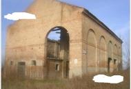 Rustico / Casale in Vendita a Ceregnano