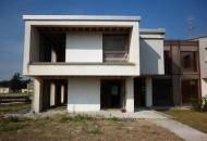 Villa Bifamiliare in Vendita a Monzambano