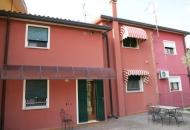 Villa a Schiera in Vendita a Villa Estense
