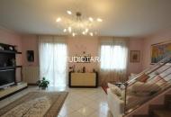 Villa in Vendita a Noviglio