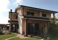 Villa Bifamiliare in Vendita a Tribano