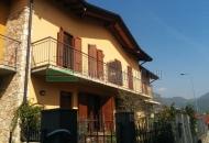 Villa a Schiera in Vendita a Ome