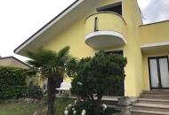 Villa in Vendita a Pozzonovo