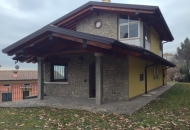 Villa Bifamiliare in Vendita a Serle