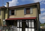 Villa Bifamiliare in Vendita a Due Carrare