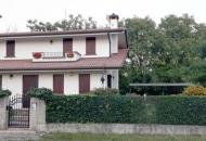 Villa Bifamiliare in Vendita a Giavera del Montello