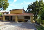 Rustico / Casale in Vendita a Langhirano