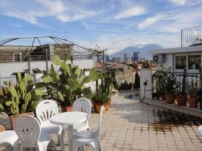 Palazzo/Palazzina/Stabile in vendita a Napoli