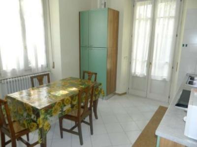 Palazzo/Palazzina/Stabile in affitto a Sondrio