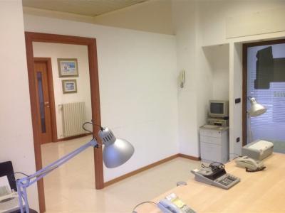 Ufficio - Studio in affitto commerciale a Potenza - Potenza
