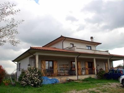 Villa in vendita a Marta