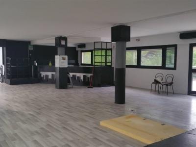 Diviso in ambienti/Locali in affitto a Prato
