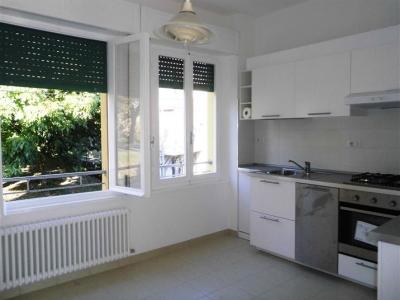 Palazzo/Palazzina/Stabile in affitto a Monte San Vito