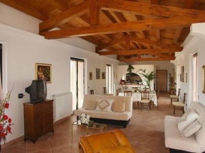Casa indipendente in vendita a Marta