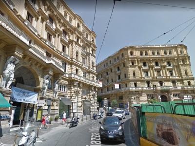 Quadrilocale in vendita a Napoli