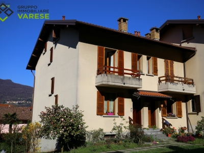 Villa in vendita a Besano