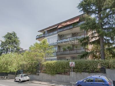 Quadrilocale in vendita a Roma