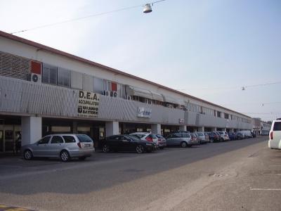 Diviso in ambienti/Locali in affitto a Ferrara