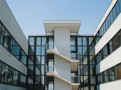 Palazzo/Palazzina/Stabile in affitto a Settimo Milanese