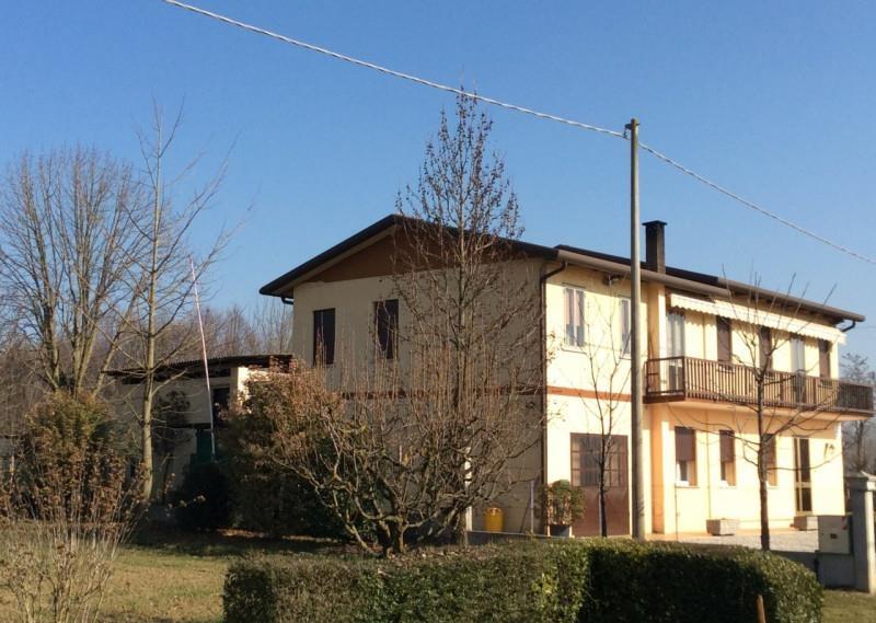 Villa campodarsego vendita zona fiumicello 250 for Piani casa artigiano canada