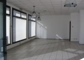 Negozio / Locale in affitto a Limena, 2 locali, zona Località: Limena, prezzo € 850 | Cambio Casa.it