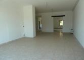 Negozio / Locale in affitto a Soave, 9999 locali, prezzo € 840 | Cambio Casa.it
