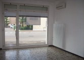 Negozio / Locale in affitto a Treviso, 9999 locali, zona Località: San Zeno, prezzo € 450 | CambioCasa.it