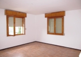 Appartamento in vendita a Cavezzo, 5 locali, zona Località: Cavezzo - Centro, prezzo € 80.000 | Cambio Casa.it