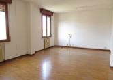 Ufficio / Studio in affitto a Cavezzo, 9999 locali, zona Località: Cavezzo - Centro, prezzo € 250 | CambioCasa.it