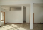 Negozio / Locale in vendita a San Giovanni Valdarno, 5 locali, zona Zona: Oltrarno, prezzo € 138.000 | CambioCasa.it