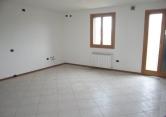 Appartamento in vendita a Veggiano, 3 locali, zona Località: Veggiano - Centro, prezzo € 100.000   Cambio Casa.it