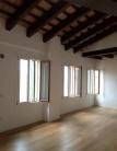 Attico / Mansarda in affitto a Padova, 4 locali, zona Località: Prato della Valle, prezzo € 2.600 | CambioCasa.it