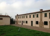 Villa Bifamiliare in vendita a San Bellino, 8 locali, zona Località: San Bellino, prezzo € 180.000 | Cambio Casa.it
