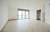 Appartamento in affitto a Seregno, 4 locali, zona Località: Seregno - Centro, prezzo € 750 | CambioCasa.it