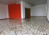 Negozio / Locale in affitto a Bassano del Grappa, 2 locali, prezzo € 1.000 | Cambio Casa.it