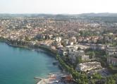 Appartamento in vendita a Desenzano del Garda, 4 locali, zona Zona: Rivoltella del Garda, prezzo € 220.000 | Cambio Casa.it