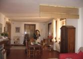 Villa in vendita a Langhirano, 6 locali, zona Zona: Cozzano, prezzo € 260.000 | Cambio Casa.it