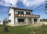 Villa in vendita a Lagosanto, 9 locali, zona Località: Lagosanto, prezzo € 162.000 | Cambio Casa.it