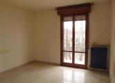 Appartamento in vendita a Cavezzo, 4 locali, zona Località: Cavezzo - Centro, prezzo € 58.000 | Cambio Casa.it