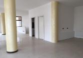 Negozio / Locale in affitto a Villafranca Padovana, 9999 locali, zona Località: Villafranca Padovana, prezzo € 1.300 | Cambio Casa.it
