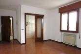 Appartamento in vendita a Este, 4 locali, zona Località: Este, prezzo € 55.000   Cambio Casa.it