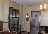 Appartamento in vendita a Lonigo, 5 locali, zona Località: Lonigo - Centro, prezzo € 120.000 | Cambio Casa.it