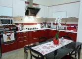 Appartamento in vendita a Casarano, 5 locali, zona Località: Casarano, prezzo € 120.000 | Cambio Casa.it