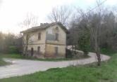 Rustico / Casale in vendita a Fermignano, 6 locali, prezzo € 89.000 | CambioCasa.it