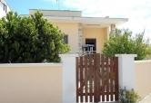 Villa in vendita a Racale, 5 locali, zona Zona: Torre Suda, prezzo € 135.000 | Cambio Casa.it