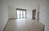 Appartamento in affitto a Seregno, 4 locali, zona Località: Seregno - Centro, prezzo € 750   Cambio Casa.it