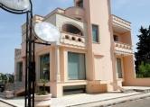 Negozio / Locale in affitto a Racale, 2 locali, zona Località: Racale, prezzo € 800 | Cambio Casa.it