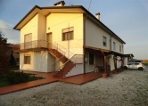 Villa in vendita a Teolo, 5 locali, zona Zona: Praglia, prezzo € 320.000 | Cambio Casa.it