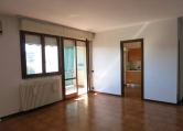 Appartamento in vendita a Este, 4 locali, zona Località: Este, prezzo € 125.000 | Cambio Casa.it