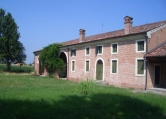 Rustico / Casale in vendita a Casale di Scodosia, 8 locali, prezzo € 320.000 | CambioCasa.it